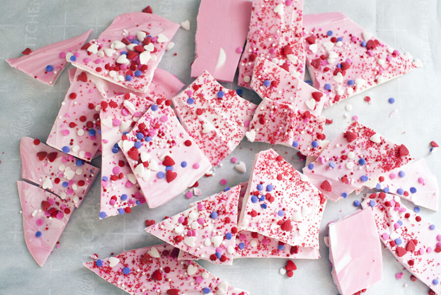 Chocolate bark is the perfect treat to make for Valentine's Day or any other day this year! This recipe is super simple to make - all that's standing between you and this incredible chocolate dessert is 30 minutes of time. #valenetinesdessert #chocolatebark #chocolatedessert #easydessert