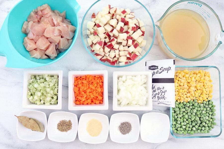 ingredients to make chicken pot pie in the crockpot